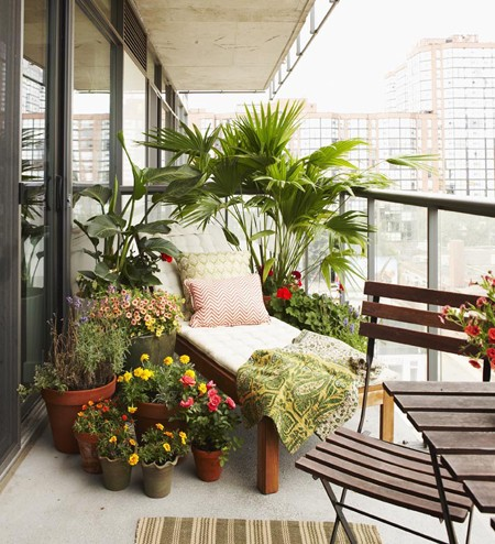 BALCONY CHIC: The Big, the Medium and the Tiny | Messy Nessy Chic ...