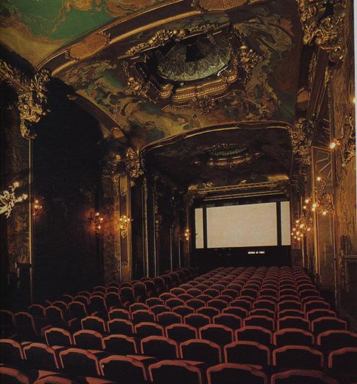 date night in paris 5 romantic cinemas messy nessy chic. Black Bedroom Furniture Sets. Home Design Ideas