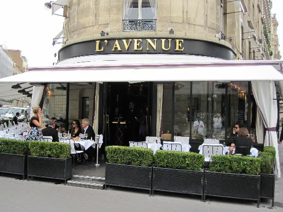 trendy restaurants in paris where celebrities dine. Black Bedroom Furniture Sets. Home Design Ideas